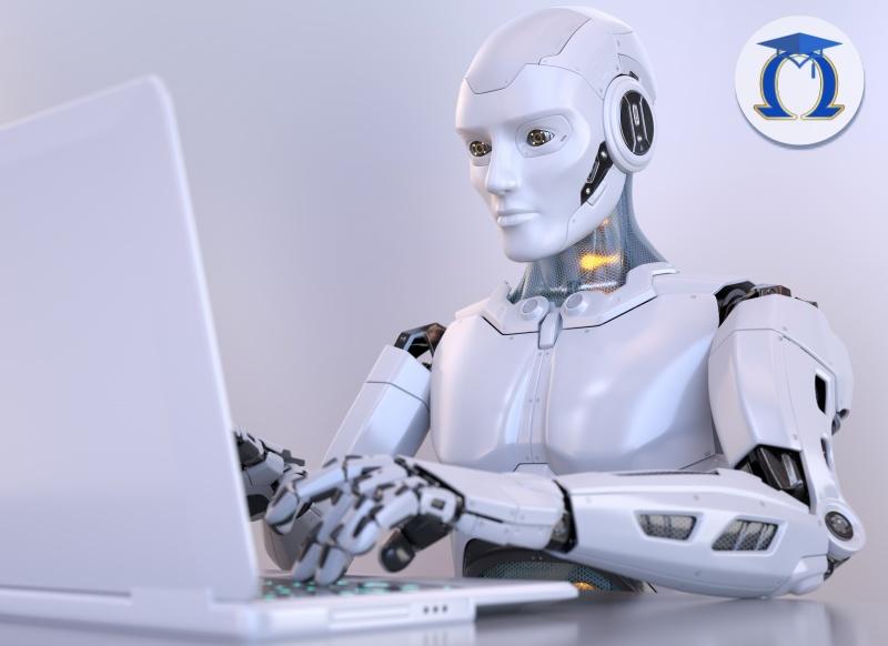 Робот работи с лаптоп